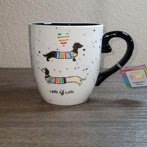 """ENVOGUE Pride Collection """"Love is Love"""" Mug"""
